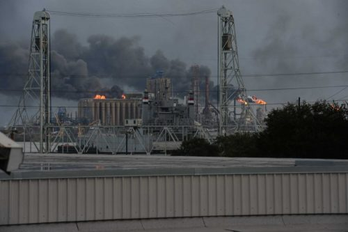 USA – ExxonMobil Refinery Fire
