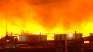 USA – Huge Fireball Erupts Over Exxon Oil Refinery – Baton Rouge After Explosion